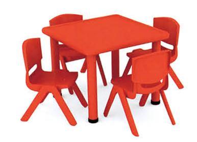 幼儿园正方形桌
